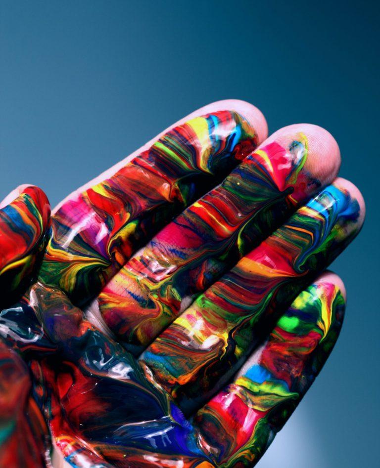 Read more about the article 5 ASTUCES POUR DÉVELOPPER VOTRE CREATIVITE ARTISTIQUE